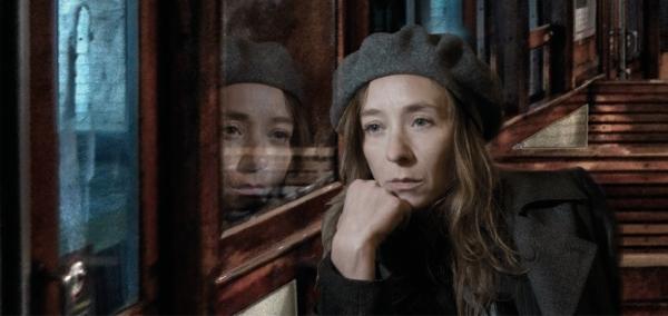 Sylvie Testud de retour au théâtre dans L'Heureux Stratagème de Marivaux avec Eric Elmosnino à la rentrée au Théâtre Edouard VII