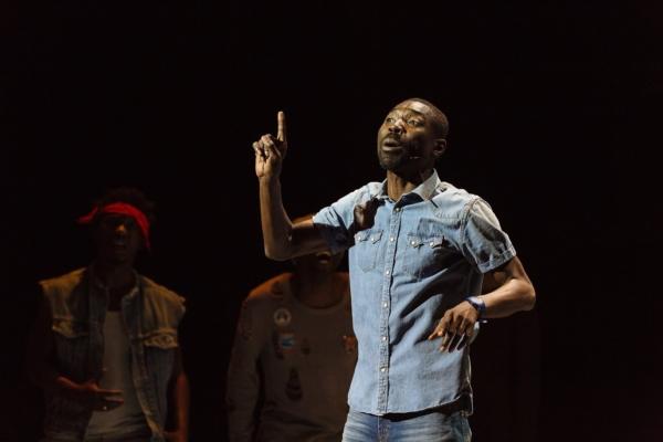 Dieudonné Niangouna invité de la revue Théâtre public