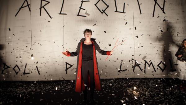 / critique / Arlequin fait son cirque à La Scala!