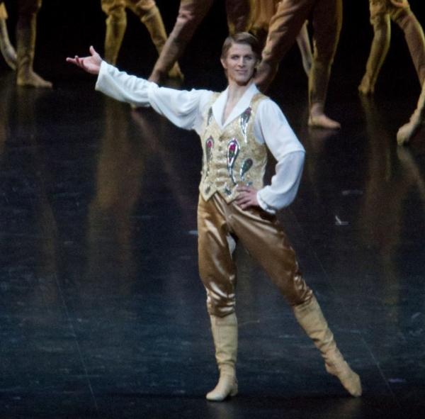 Le danseur Étoile Karl Paquette fera ses adieux à l'Opéra national de Paris le 31 décembre 2018