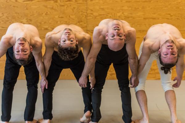 / critique / A Actoral, Alexander Vantournhout tourneboule les mots et les corps