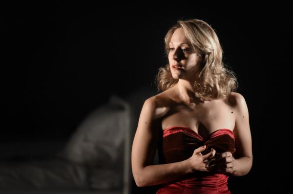 / critique / Vannina Santoni, Traviata assoluta