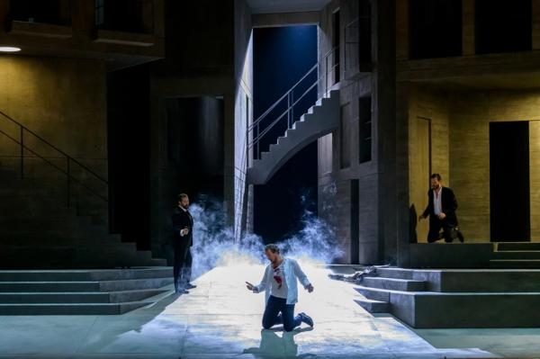 / critique / Sombre et sobre Don Giovanni