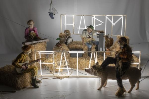 / critique / Farm Fatale, une fable environnementale et musicale