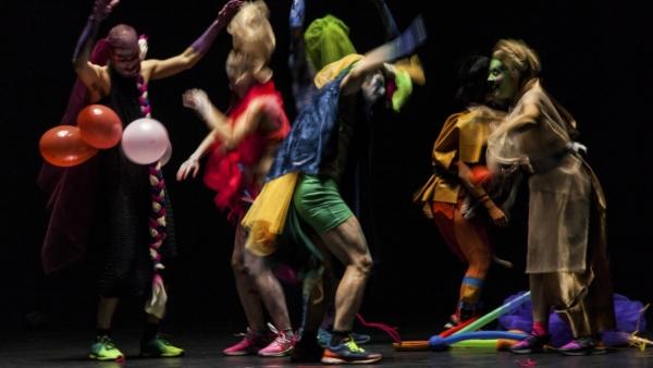 / critique / Dans Ballroom, Arthur Perole fait la fête sans transcender