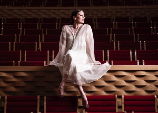 Marie-Agnès Gillot fait danser La Seine Musicale