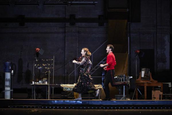 / critique / La Carpe et le Lapin : le mariage dérangé de Catherine Frot et Vincent Dedienne