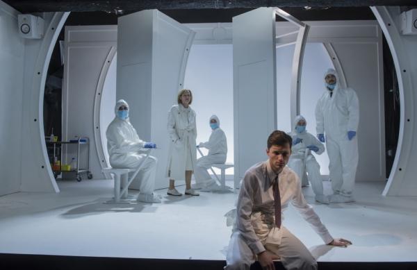 / critique / Majorana 370 : le laboratoire stérile de Xavier Gallais