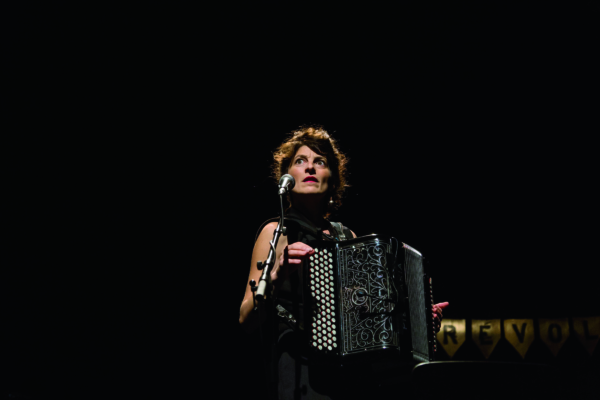 / critique / Chloé Lacan met Nina Simone à l'accordéon
