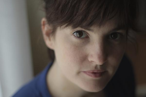 / série / En confinement avec Kelly Rivière