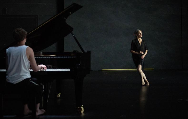 Anne Teresa de Keersmaeker crée Les Variations Goldberg BWV 988 au Theatre du Chatelet