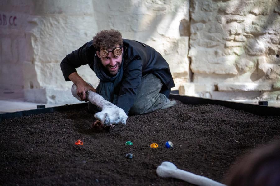 / critique / Histoire de fouilles : une causerie qui va chercher loin