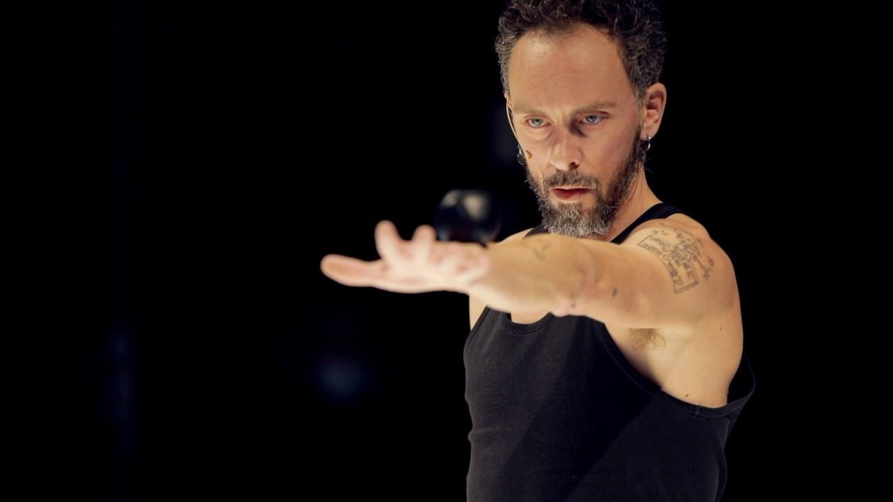 / critique / Martin Palisse jongle comme il respire
