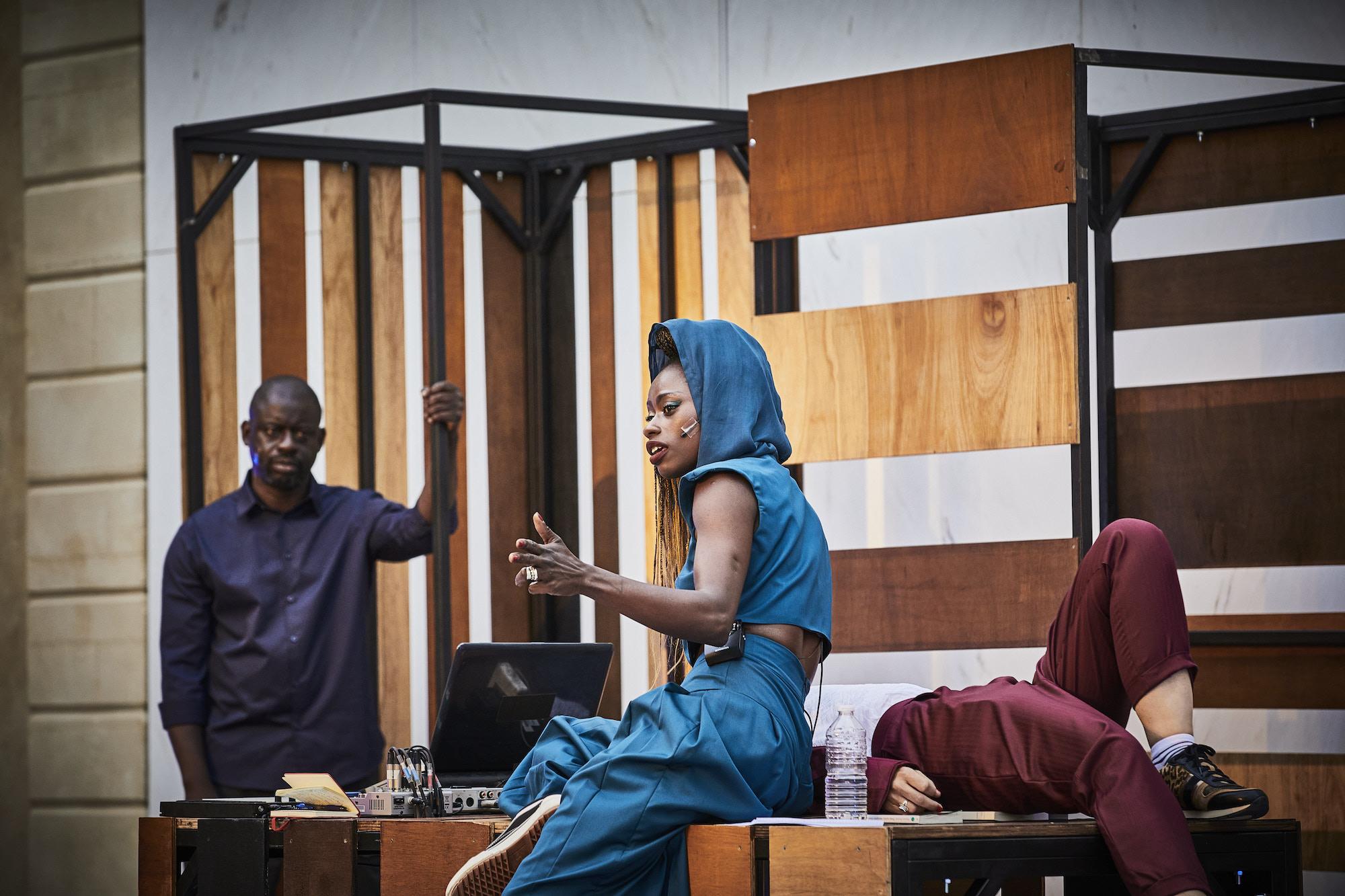 Dorcy Rugamba met en scène Liberté, j'aurai habité ton rête jusqu'au dernier soir d'après des textes de René Char, Frantz Fanon et Felwine Sarr Festival d'Avignon 2021.jpeg