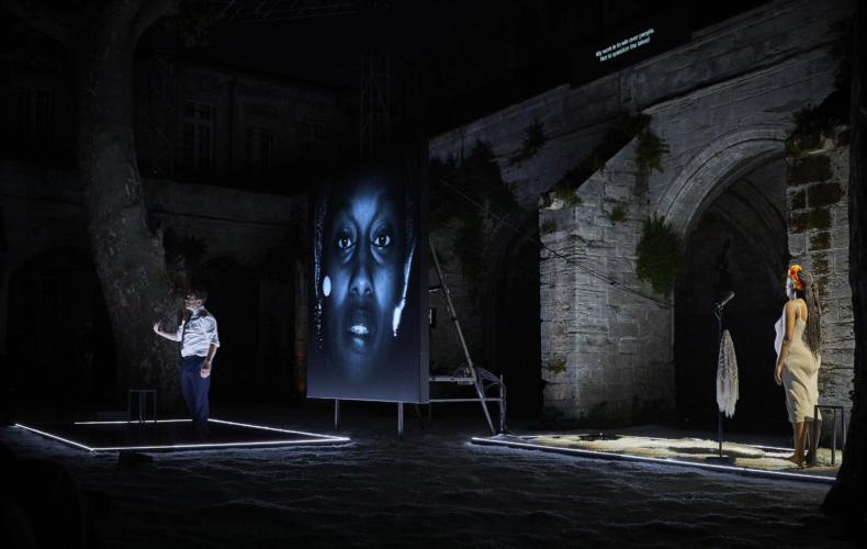 Fabrice Murgia met en scène La dernière nuit du monde de Laurent Gaudé au Festival d'Avignon 2021