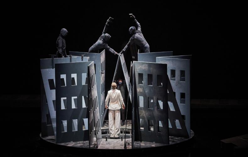 La Trilogie des Contes Immoraux de Phia Ménard au Festival d'Avignon 2021