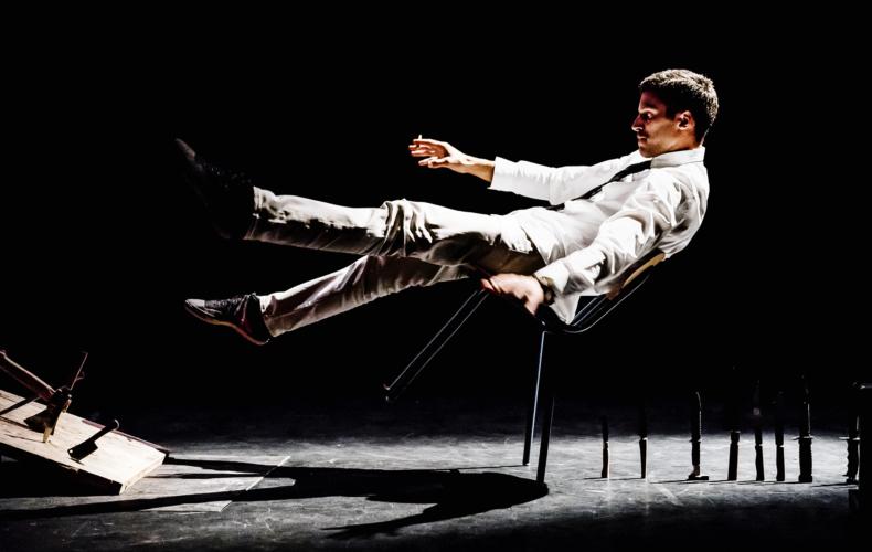 Marc Oosterhoff dans Take care of yourself au Théâtre du Train Bleu Off Avignon 2021